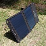 dodocoolの「2ポート ソーラーチャージャー折り畳み式10000mAh モバイルバッテリー」レビュー。アウトドア・防災アイテムとして役に立つ