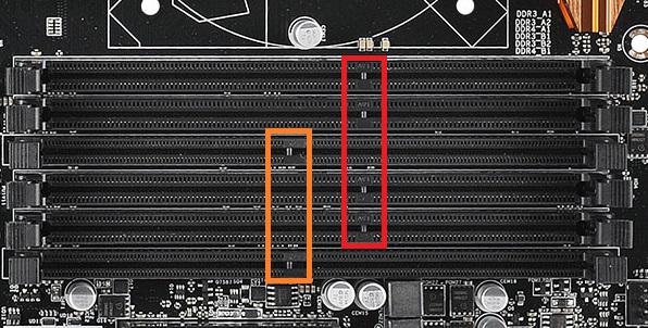 B150 Combo-memoryslot.